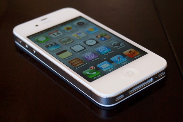 Apple Begins Selling Contract-Free, Factory Unlocked iPhone 4S in the U.S.