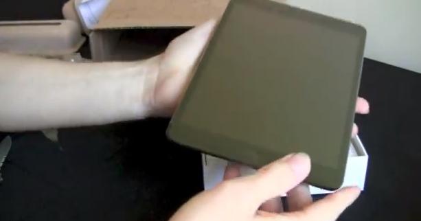 iPad Mini Unboxing [Video]